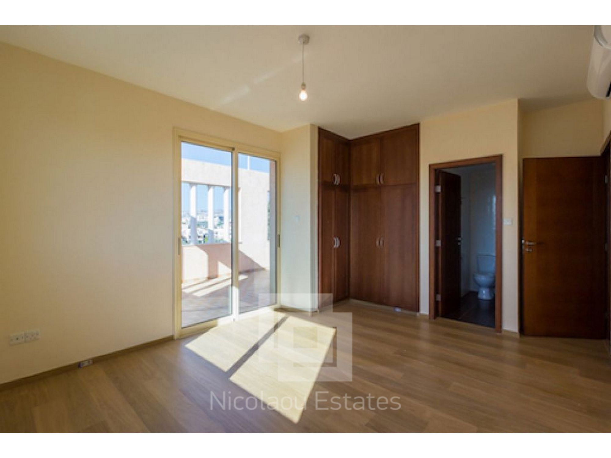 Archived luxury 4 bedroom penthouse apartment in for 4 bedroom luxury apartments
